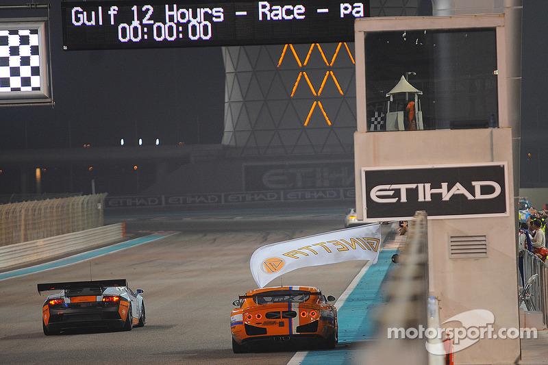 #91 Nova Race Ginetta G50 GT4: Tiziano Cappelletti, Giampiero Cristoni, Tommy Lindroth, Matteo Cressoni winnen de GTX-klasse
