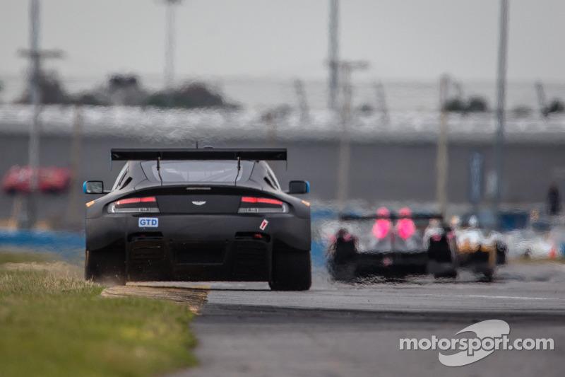 #007 TRG-AMR 阿斯顿马丁 V12 Vantage: 大卫·布洛克, 阿尔·卡特, 詹姆斯·戴维森