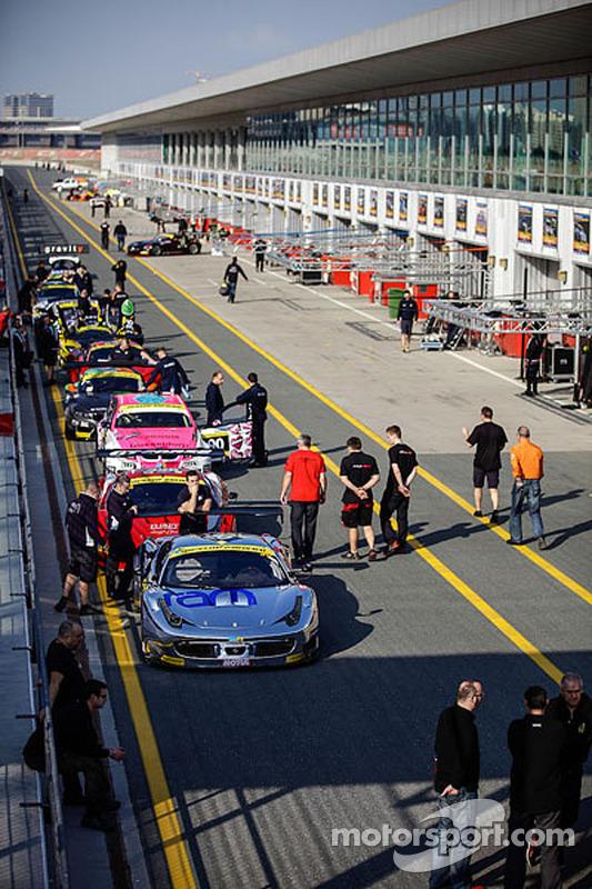 #30 Ram Racing 法拉利 458 Italia GT3: 乔尼·莫勒姆, 马特·格里芬 , 扬·马格努森, Cheerag Arya