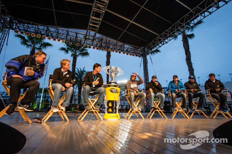 Pilot forum: Dale Earnhardt Jr., Hendrick Motorsports Chevrolet, Matt Kenseth, Joe Gibbs Racing Toyota, Ricky Stenhouse Jr., Roush Fenway Racing Ford, Aric Almirola, Richard Petty Motorsports Ford, Jamie McMurray, Earnhardt Ganassi Racing