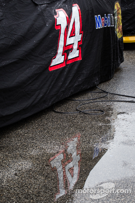 Reflexo do carro #14 de Mark Martin, Stewart-Haas Racing Chevrolet