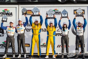 GS podium: Left to right: Trent Hindman, John Edwards, Bill Auberlen, Paul Dalla Lana, Ashley Freiberg and Shelby Blackstock
