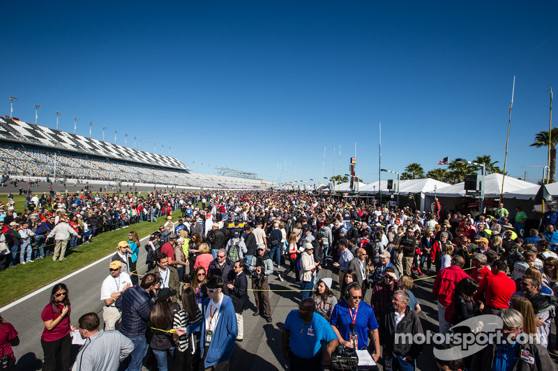 A huge crowd during the pre-race ceremony