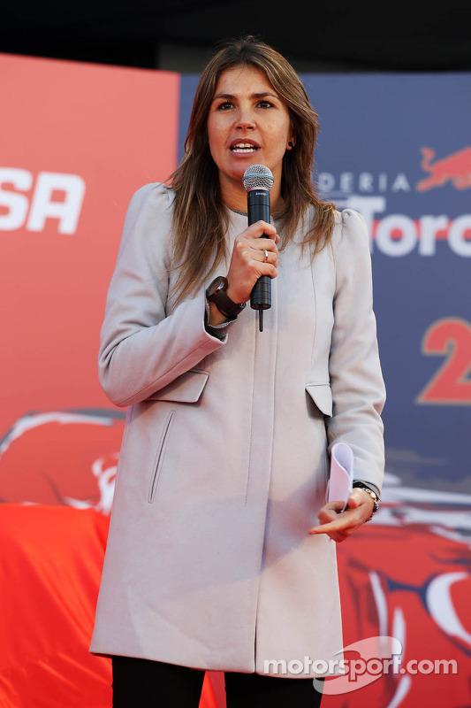 Nira Juanco, Apresentador Antena 3, na inauguração Scuderia Toro Rosso STR9