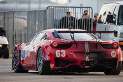 #63 Scuderia Corsa Ferrari 458 Italia: Alessandro Balzan, Jeff Westphal, Toni Vilander, Lorenzo Case tries to find its way back to the garage area