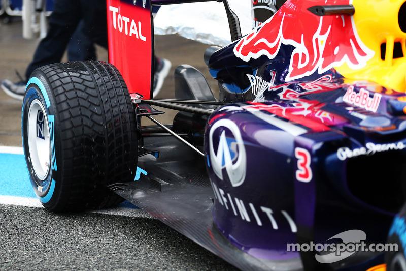Daniel Ricciardo, Red Bull Racing RB10 arka süspansiyon detayı