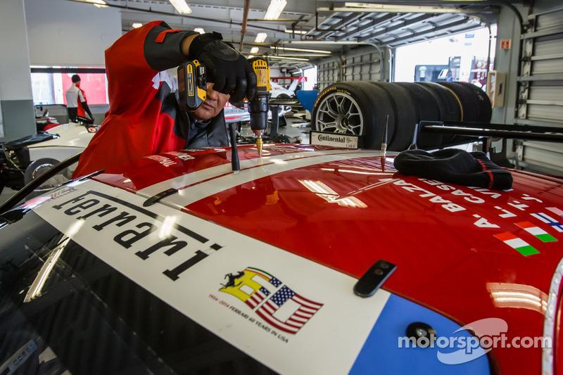 #63 Scuderia Corsa Ferrari 458 İtalya üstüne Motorsport.com 360 kuruluyor