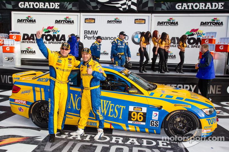 GS victory lane: i vincitori di gara Bill Auberlen e Paul Dalla Lana festeggiano