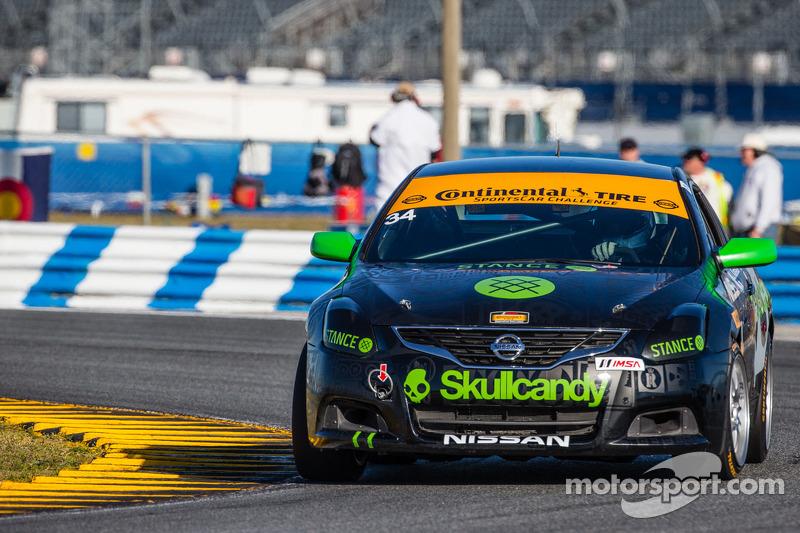 #34 Skullcandy Team Nissan Nissan Altima: Derek Jones, Johnny Kanavas