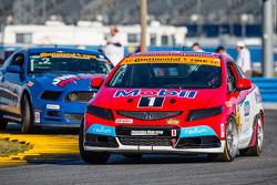 #4 LRT Racing Honda Civic Si: Juan Leroux, Jorge Leroux