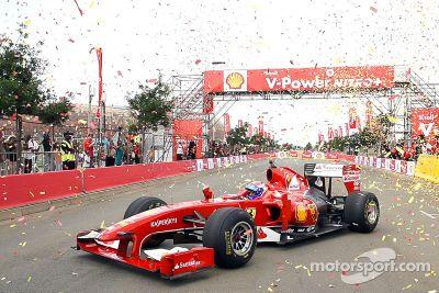 La Scuderia Ferrari en démonstration à Johannesbourg
