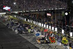 Bobby Labonte, HScott Motorsports Chevrolet, Denny Hamlin, Joe Gibbs Racing Toyota