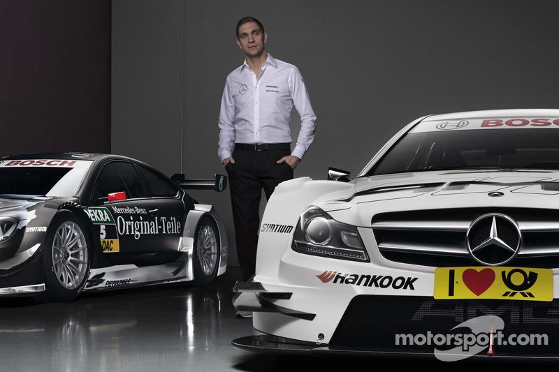 Vitaly Petrov con los Mercedes AMG C-Coupes