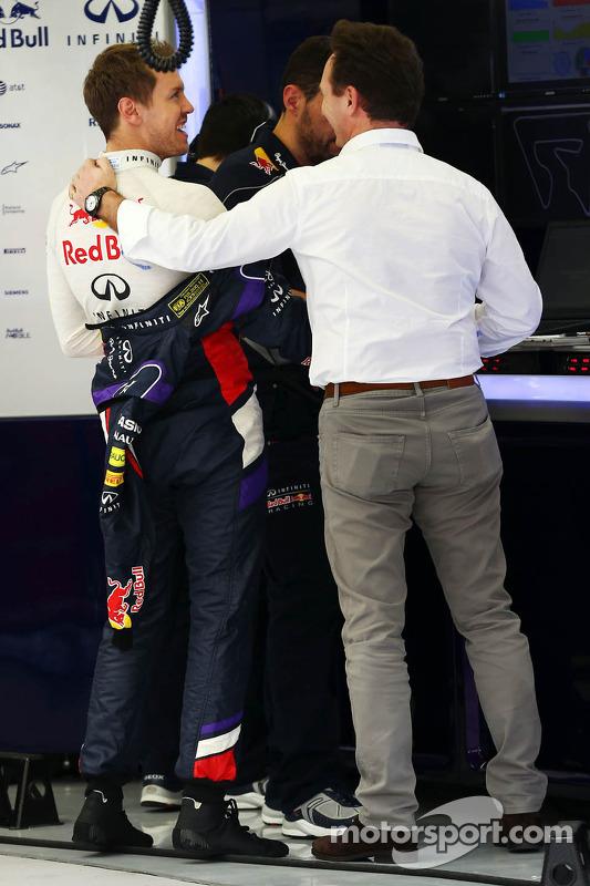 Sebastian Vettel, Red Bull Racing; Christian Horner, Red Bull Racing, Teamchef