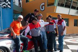 RJ Lopez, TA 比赛获胜者和他的工作人员