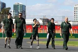 Kamui Kobayashi, Caterham cammina per il circuito