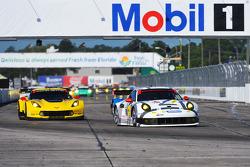 #912 保时捷 北美 保时捷 911 RSR: 帕特里克·朗, 迈克尔·克里斯滕森, 约格·伯格麦斯特