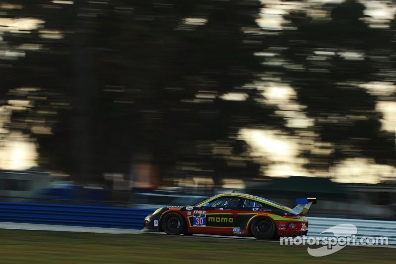 #30 NGT Motorsport 保时捷 911 GT America: 恩里克·西斯内罗斯, 克里斯蒂娜·尼尔森, 库巴·吉尔马兹亚克