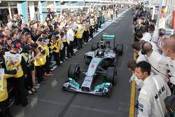 Parc Ferme: 1. Nico Rosberg, Mercedes AMG F1 W05