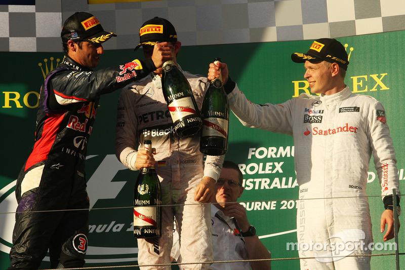 Il podio, Daniel Ricciardo Red Bull Racing, secondo; Nico Rosberg, Mercedes AMG F1, vincitore della gara; Kevin Magnussen, McLaren, terzo