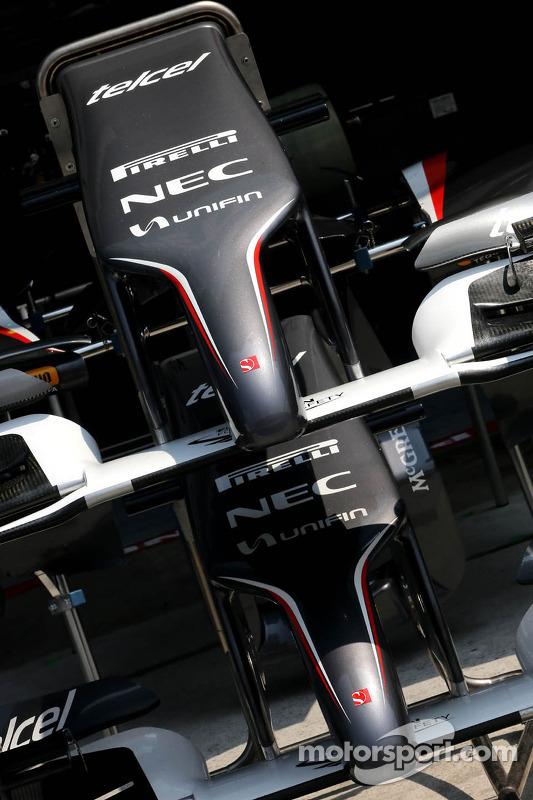 Sauber F1 Team asa dianteiras