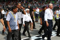 Bernie Ecclestone sulla griglia di partenza