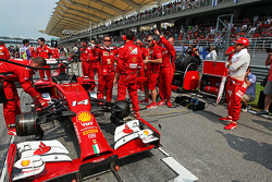 Fernando Alonso, Ferrari F14-T on the grid