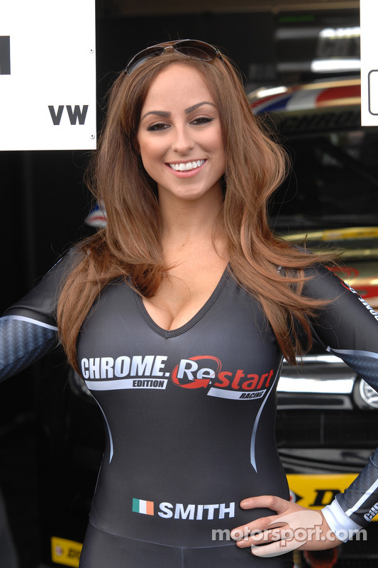 how to become a btcc grid girl