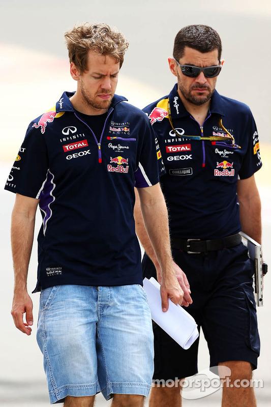 Streckenbegehung: Sebastian Vettel, Red Bull Racing; Guillaume Rocquelin, Red Bull Racing, Rennigeni