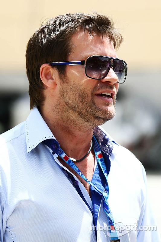 Dave Robertson, Pilot Menajeri