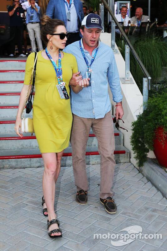 Guy Ritchie, Regista cinematografico con la sua fidanzata Jacqui Ainsley