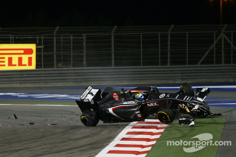 Esteban Gutierrez, Sauber C33 kazası ve Pastor Maldonado, Lotus F1 E21