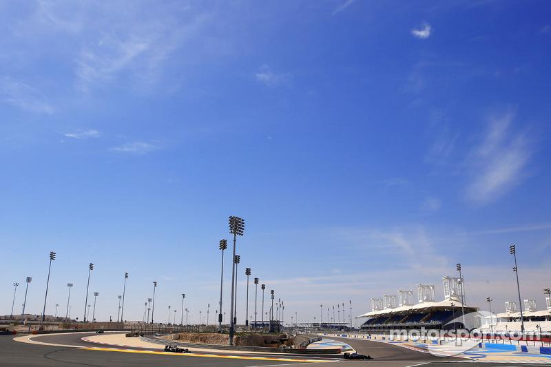 Kevin Magnussen, McLaren F1; Sergey Sirotkin, Sauber, Testfahrer