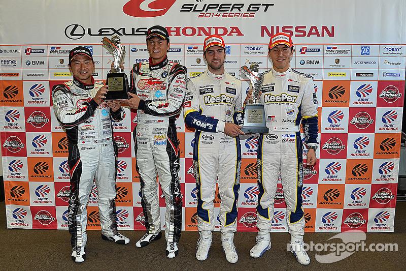 GT300 Kazanan Nobuteru Taniguchi, Tatsuya Kataoka, GT500 Kazanan Daizuke Ito ve Andrea Caldarelli