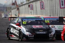 Gianni Morbidelli, Chevrolet RML Cruze TC1, ALL-INKL_COM Munnich Motorsport and Mehdi Bennani, Honda Civic WTCC, Proteam Racing
