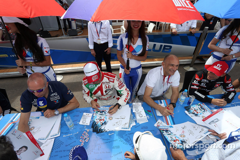 Tom Coronel, Cevrolet RML Cruze TC1, Roal Motorsport, Tiago Monteiro, Honda Civic WTCC, Castrol Hond