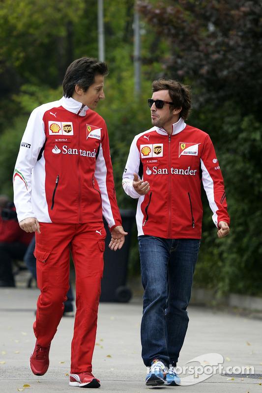 Fernando Alonso, Ferrari, with Massimo Rivola, Ferrari Sporting Director