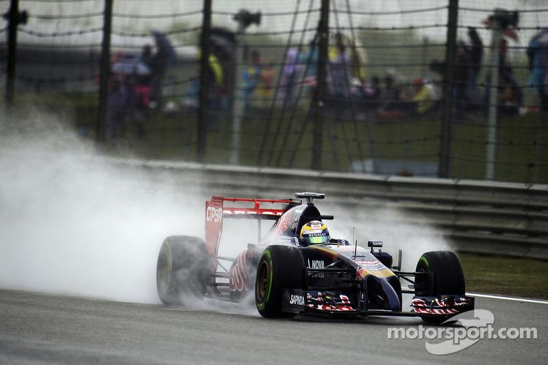 Jean-Eric Vergne, Scuderia Toro Rosso STR9 con DRS aperto