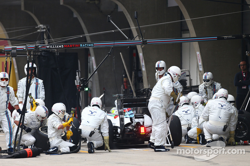 Felipe Massa, Williams FW36 pitstop yapıyor