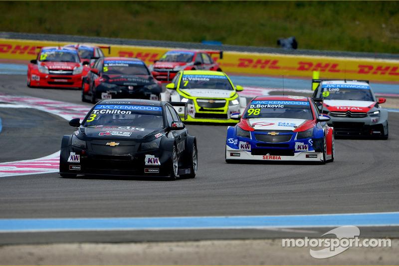 Tom Chilton, Chevrolet Cruze RML TC1, ROAL Motorsport e Dusan Borkovic, Chevrolet Cruze RML TC1, NIS