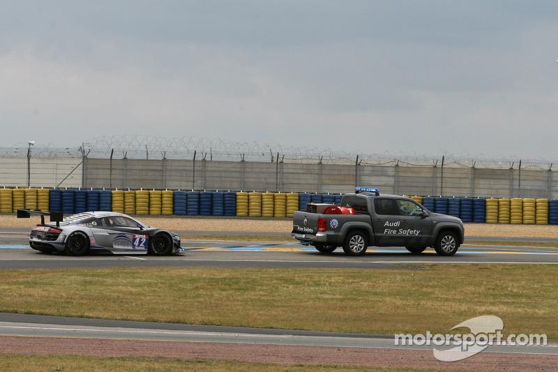 #42 Saintéloc Racing 奥迪 R8 LMS Ultra: 大卫·阿利代, 格里高利·吉尔维 遭遇麻烦