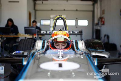 Ho-Pin Tung prueba el Spark-Renault STR_01E