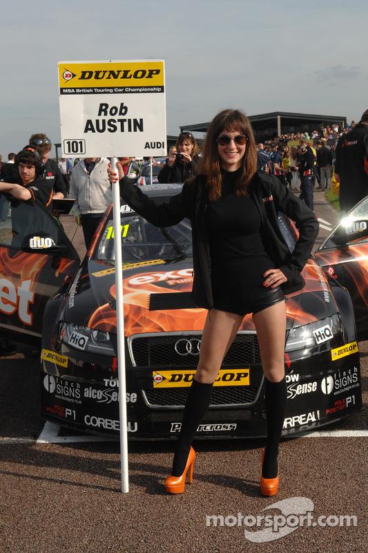 Exocet Racing grid kızı