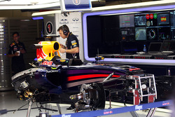 The stripped Red Bull Racing RB10 chassis of Sebastian Vettel, Red Bull Racing, who sat out FP2 with an electrical problem