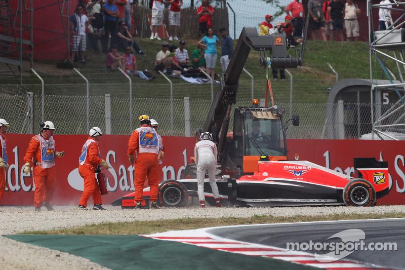 Max Chilton, Marussia F1 Team MR03 cae en la trampa de grava