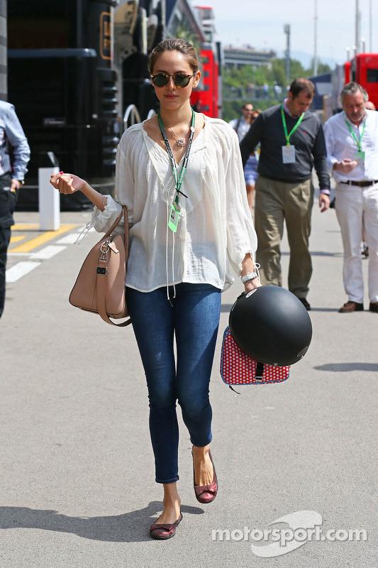 Jessica Michibata, fidanzata di Jenson Button, McLaren, alla parata dei piloti