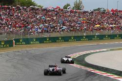 Valtteri Bottas, Williams FW36 ve Daniel Ricciardo, Red Bull Racing RB10