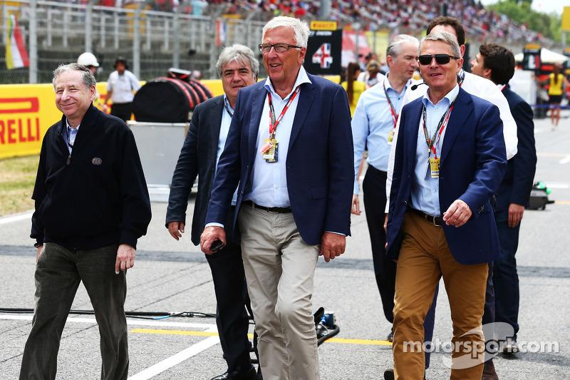 Jean Todt, presidente della FIA, sulla griglia di partenza