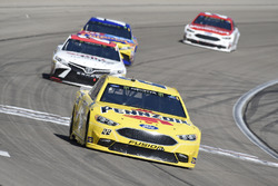 Joey Logano, Team Penske, Ford Fusion Pennzoil, Erik Jones, Joe Gibbs Racing, Toyota Camry Sport Clips, Kyle Busch, Joe Gibbs Racing, Toyota Camry M&M's Caramel, Paul Menard, Wood Brothers Racing, Ford Fusion Motorcraft / Quick Lane Tire & Auto Center