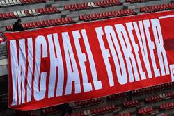 Банер на підтримку Міхаеля Шумахера